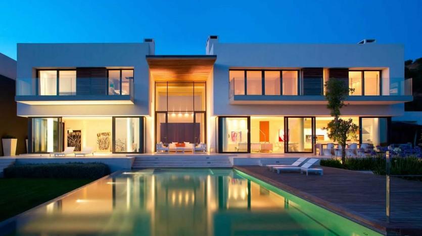 Casa de arquitectura minimalista piso bcn for Casa minimalista arquitectura