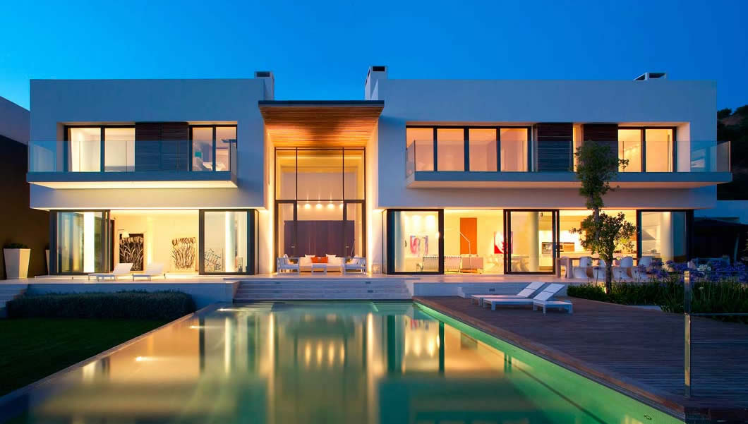 Casa de arquitectura minimalista piso bcn for Casa tipo minimalista